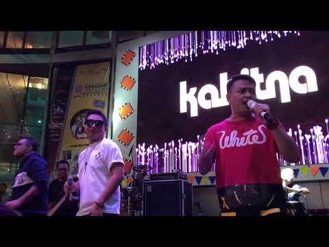 Unduh lagu KAHITNA - SEMOGA NANTINYA (LIVE at Gandaria City - @himmarcomm Binus) gratis