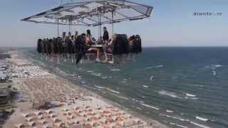 Dinner in the sky - on the Beach !