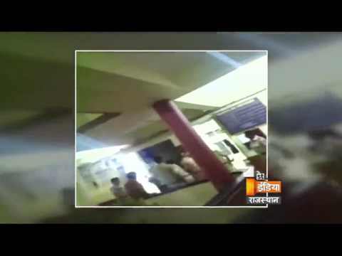 Mumbai Police Video viral - Harshly beating a teenage Couple