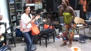 Blackpearl sings Happy Birthday
