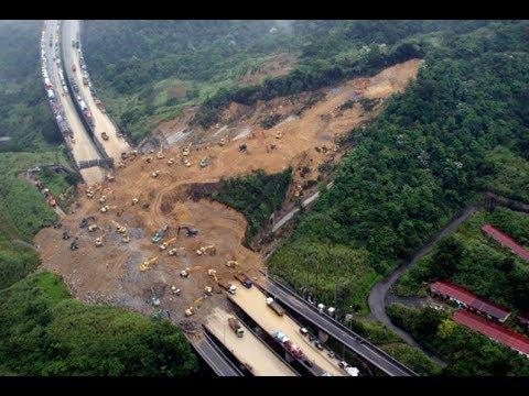 Nearly 200 Killed by Sri Lanka Flooding, Mudslides Emergency!