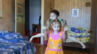 Танец с братом на Новый год для родителей.