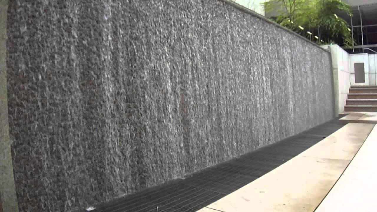 Muro de agua youtube for Cascada de agua para jardin