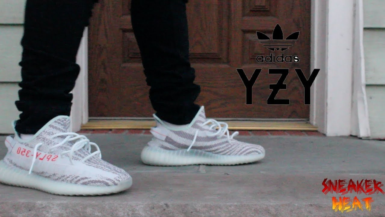 classic fit 0c816 be73b YEEZY 350 BOOST V2