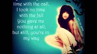 Carly Rae Jepsen - Call Me Maybe Lyrics Video.