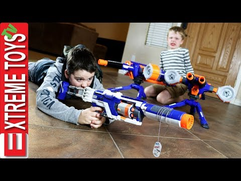 Family Nerf Wars Part 5! Ethan and Cole Sneak Attack Squad Vs. Mom and Dad!