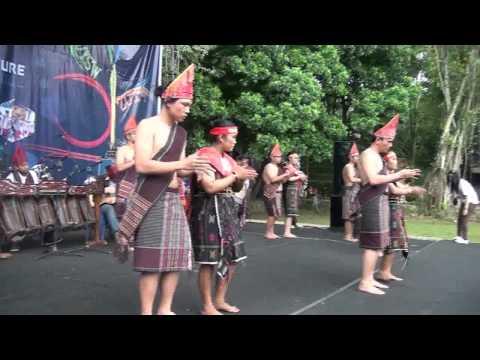 Tarian Etnis Batak Toba at PSBII UKSW 2014 versi BTSI