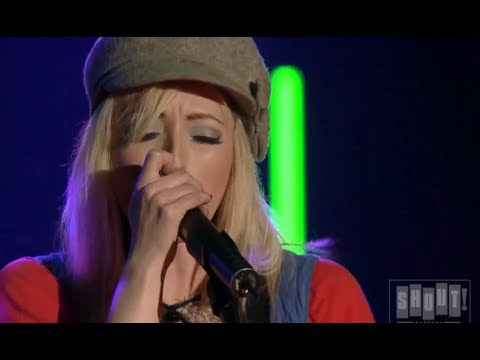 The Ting Tings - Shut Up And Let Me Go (Live At SXSW)