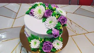 Бисквитный торт с розами и хризантемами Sponge cake with roses and chrysanthemums