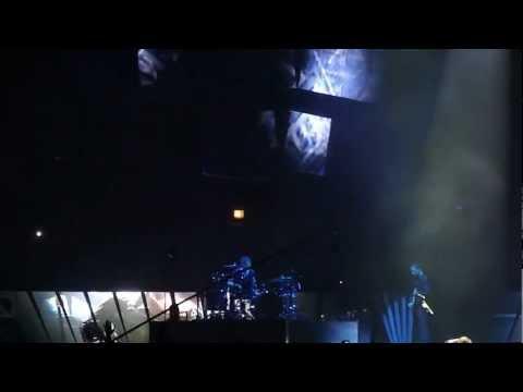 Muse Live @ United Centre 3/4/13 Supermassive Blackhole,Panic Station,Resistance,Hysteria
