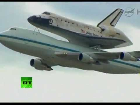NASA Video: Shuttle Discovery makes final flight over US