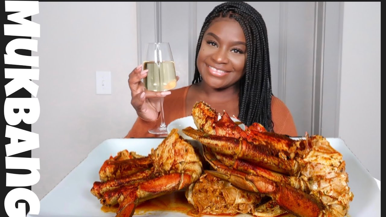 GIANT DUNGENESS CRAB LEGS + SEAFOOD BOIL MUKBANG | STORY TIME