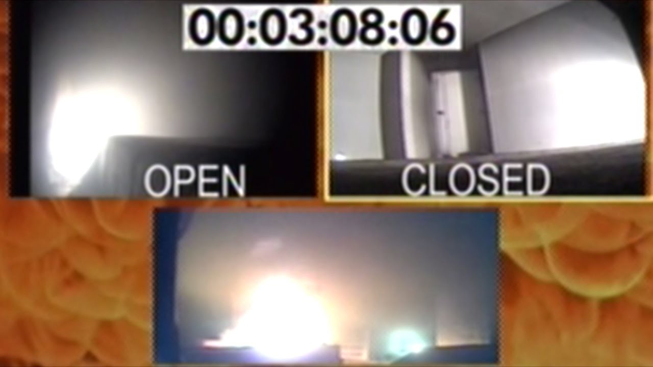 Close Door On Fire : Sleeping with your bedroom door closed can save life