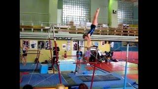 брусья, спортивная гимнастика
