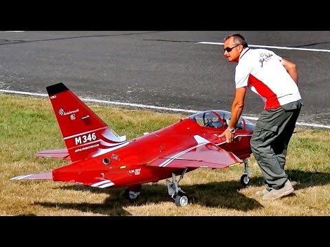 RC XXL SCALE MODEL JET M-346 ALENIA AERMACCHI FLIGHT DEMO / Jetpower Fair 2016
