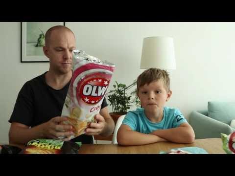 Johan och Ludvig testar sommarchips från OLW och Estrella
