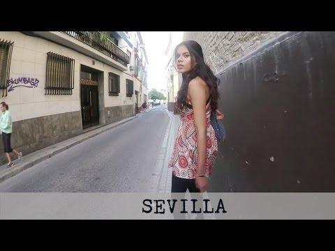 AN AMERICAN SPEAKING SPANISH IN SEVILLA