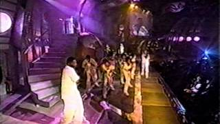 Brandy - Top Of The World (Feat. Mase) (MTV Video Movie Awards 1998)