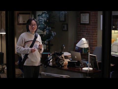 Silicon Valley - Jian Yang smokes (2x08)