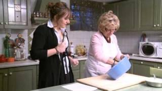 ZEPPOLE di Nonna Pina! Imparate la ricetta delle Zeppole di carnevale - ciambelle fritte