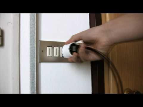 Italian wall socket vs. European plugs