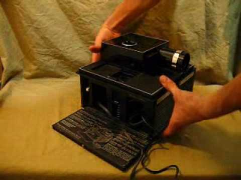 VINTAGE BELL AND HOWELL SLIDE CUBE PROJECTOR Model 977Q