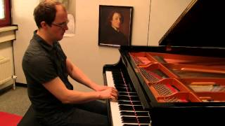 Wolfgang Amadeus Mozart: Piano Sonata No. 11 in A major, K. 331 (1/3): I. Andante grazioso