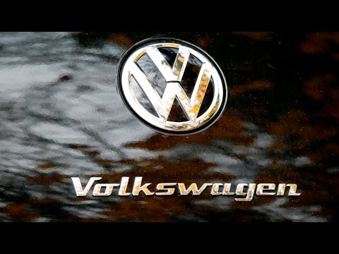 """VW's $15.3 billion """"sorry"""" to U.S. car owners, and other MoneyWatch headlines"""