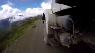 Extreme Truck Journeys in Peru