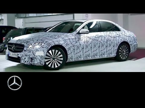 Remote Parking Pilot in the 2016 E-Class – Mercedes-Benz original