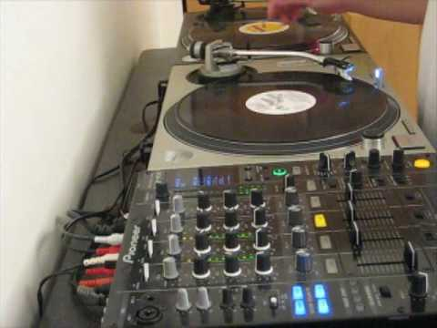 Dj z early 90s chicago house mix old school wbmx b96 hip for Classic house from the 90s