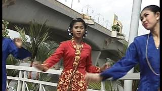 Syura - Menagih Rindu (Official Music Video)