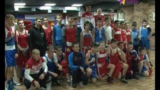 Спортсмены сборной России по боксу провели открытую тренировку