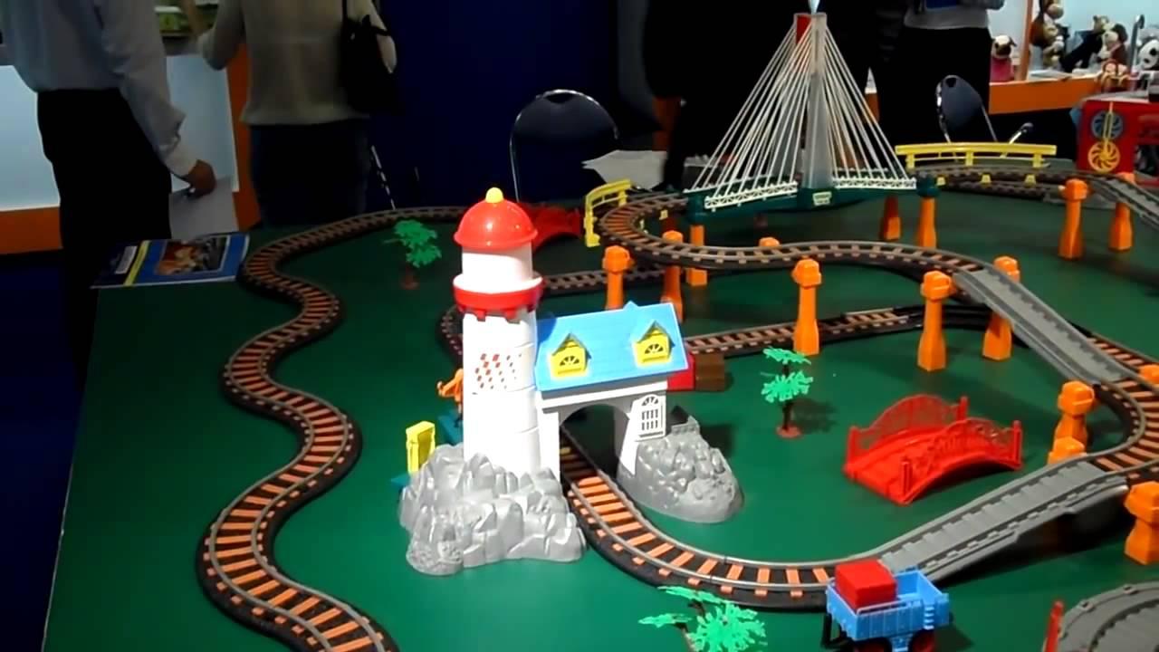 Игрушечная Железная Дорога LEGO Thomas! Смотри на что она способна .