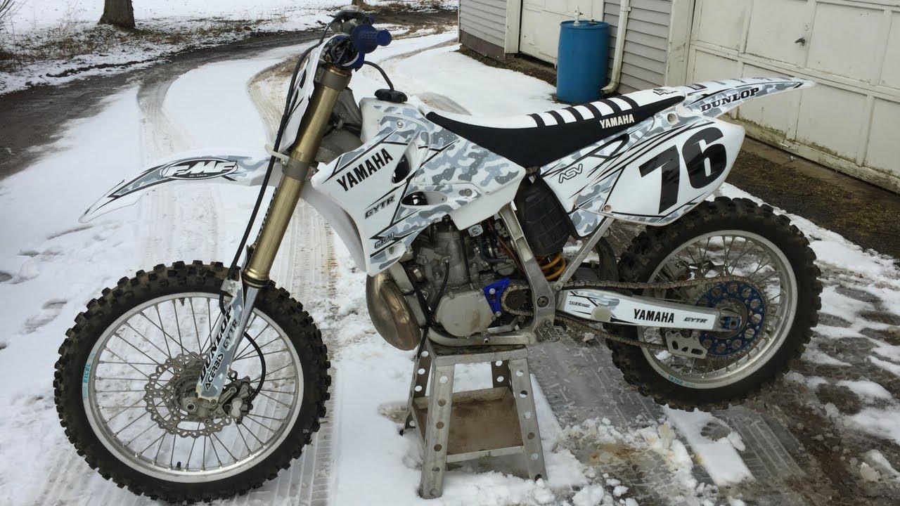 Installing new custom dirt bike graphics on 2014 yz250