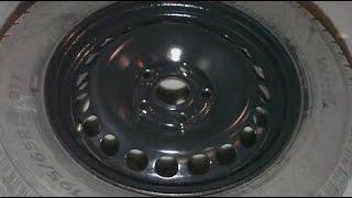 Покраска ржавых железных автомобильных дисков в черный цвет