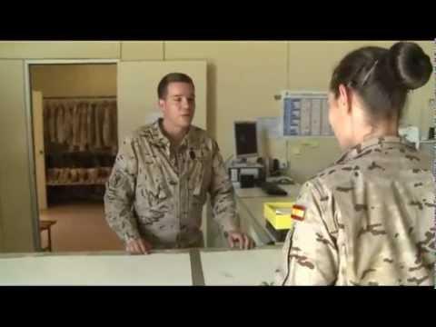 604eaa3bf2e La mochilla de un militar en misiones - YouTube