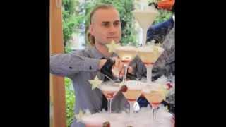 Пирамида из бокалов шампанского, горка шампанского (Москва).