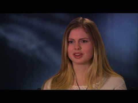 Rose McIver - The Lovely Bones Interview (2009)