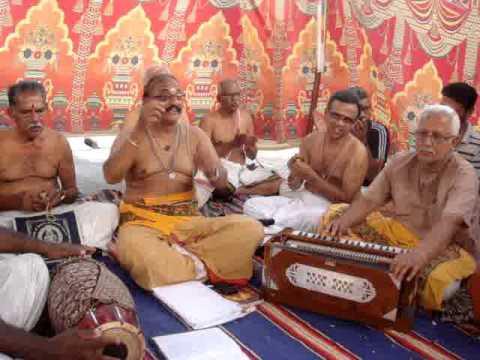aalaya mani osai, muthana muthukumaraa ஆலய மணியோசை கேட்குதம்மா