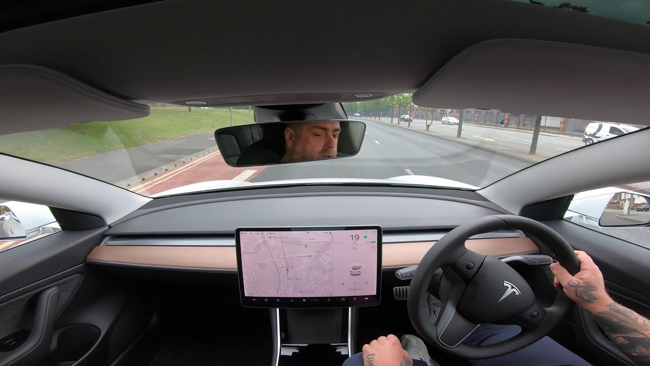 Tesla Model 3 Autopilot UK City centre! is it worth £5800 ...