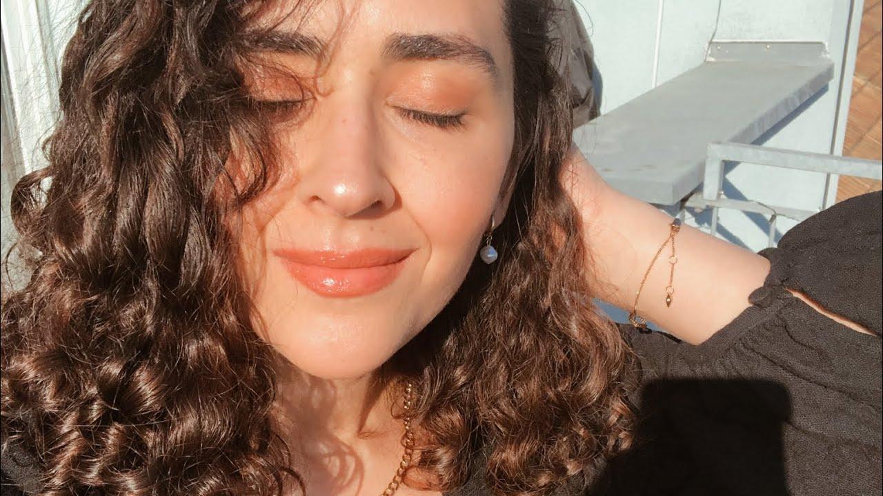 SUPER EASY curly hair + fresh glowy summer makeup tutorial