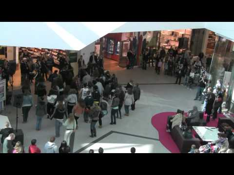 "Westside Smart Mob ""Les rois du monde"" als Auftakt Fashion & Beauty Weeks 2011"