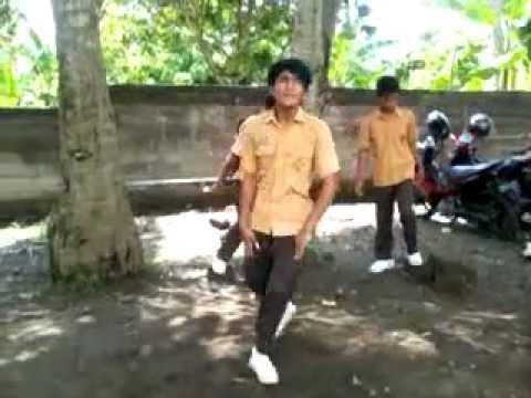 tragedi di sekolah dj karya-kink dance k menggila,,,,