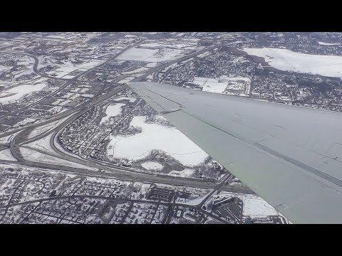 POWERFUL REVERSE THRUST | Delta Air Lines Boeing 717-200 Windy Landing in Minneapolis!