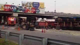 Horrible  Road Accident (Port Klang Highway)