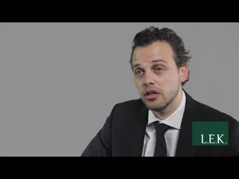 Part I w/ Francesco: Management Consulting Sample Case Interview Question (Market Sizing)