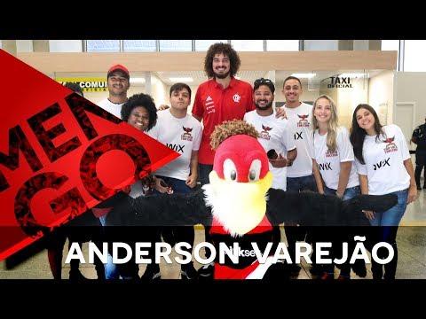Sócios-torcedores recepcionam Anderson Varejão