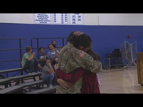 Solider surprises daughter at Veteran's Day school assembly