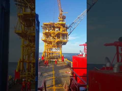 Offshore basket lifting to transfer personnel
